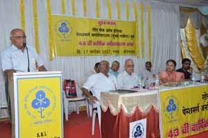 Shri.C.P.Kulkarni, President of Pune ZSC, giving Vote of Thanks